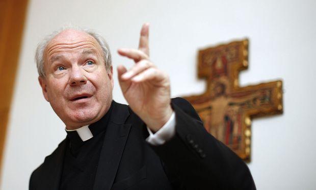 Archivbild: Kardinal Christoph Schönborn bei einer Pressekonfernez im Jahr 2012