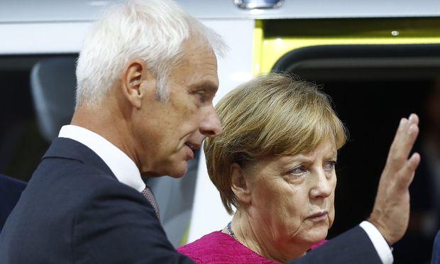 Matthias Müller mit der deutschen Kanzlerin Angela Merkel.