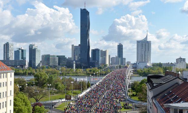 Der Vienna City Marathon lieferte auch dieses Jahr spektakuläre Bilder. Über 40.000 Teilnehmer bedeuteten einen neuen Rekord.