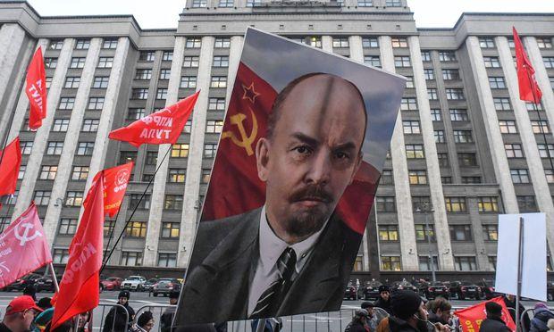 RUSSIA-HISTORY-REVOLUTION-POLITICS-DEMO