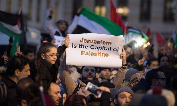 Zentralrat der Juden in Deutschland fordert Verbot antisemitischer Demonstrationen