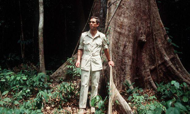 Schon seit vielen Jahren setzt sich Prinz Charles, hier auf einem Archivbild aus dem Jahr 1990, für den Erhalt des Regenwalds und den Umweltschutz ein. Heute hat eine knappe Mehrheit der Briten ein positives Bild vom Thronfolger. / Bild: (c) Tim Graham/Getty Images