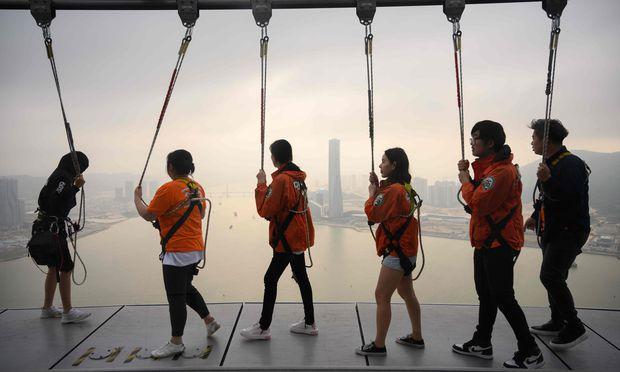 """Während die Globalisierung in China und Indien eine neue Mittelschicht hervorbrachte, kamen die Einkommen der amerikanischen und europäischen Mittelschicht """"kaum vom Fleck""""."""