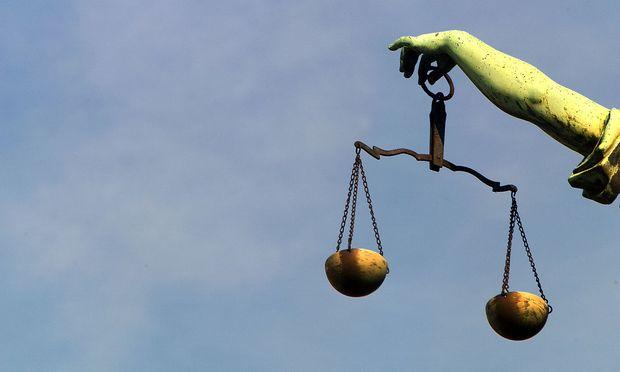 Themenbild: Justitia - Göttin der Gerechtigkeit