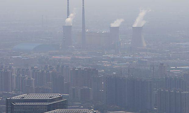 Smog beeinträchtigt die Abläufe am Flughafen in Peking