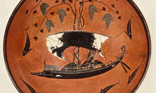 Dionysos auf einem Schiff mit weißen Segeln, umgeben von glänzenden schwarzen Delfinen. Sogar der Töpfer dieser schönen Schale ist bekannt: Exekias.