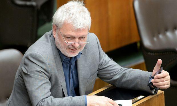 Karl Öllinger saß bis November 2017 für die Grünen im Parlament.