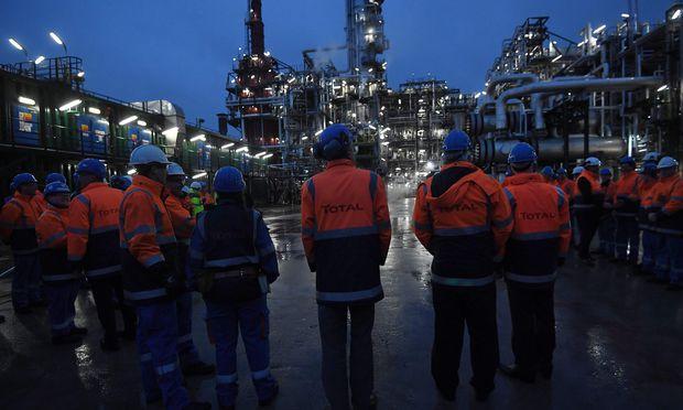 Der Energiekonzern Total lockt Anleger mit einer satten Dividende.  / Bild: (c) APA/AFP/EMMANUEL DUNAND (EMMANUEL DUNAND)