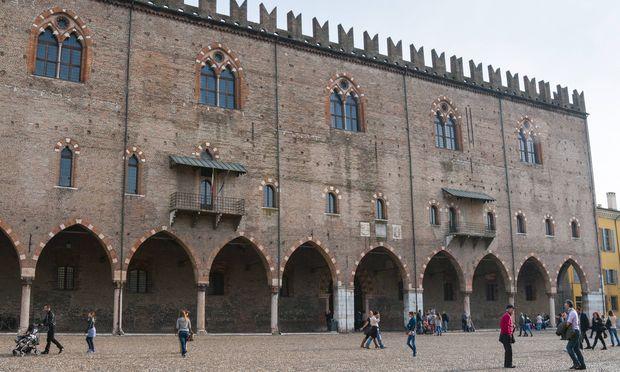 Das Palazzo Ducale in Mantua - seinen Posten dort bekommt der Österreicher Peter Assmann nicht automatisch zurück.