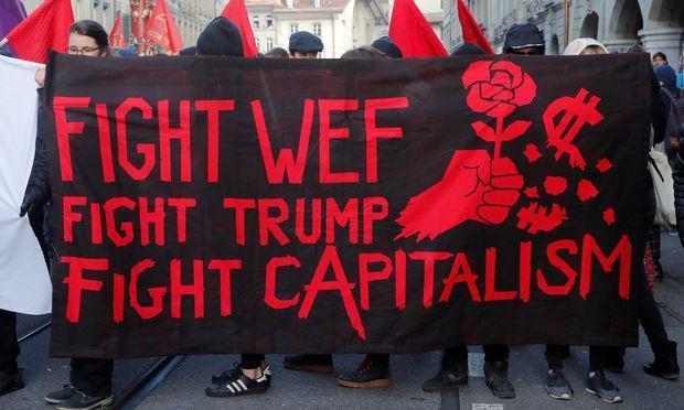 Hunderte demonstrierten in Bern gegen Weltwirtschaftsforum und Trump