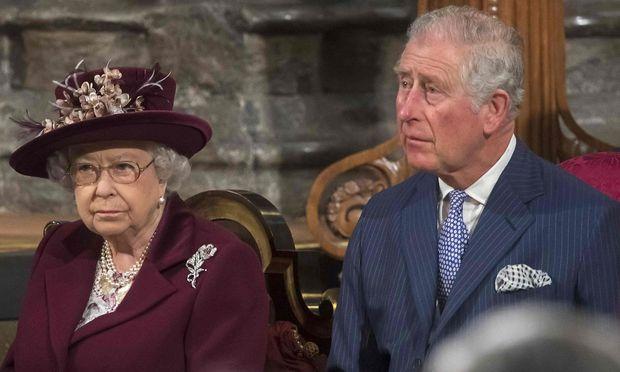 Queen Elizabeth und ihr Sohn Charles
