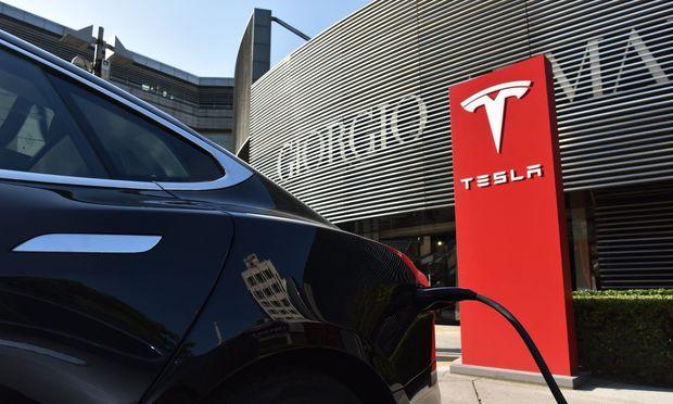 ROUNDUP: General Motors bläst mit E-Auto-Offensive zum Angriff auf Tesla