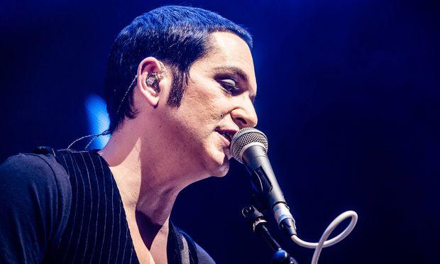 Archivbild: Placebo-Sänger Brian Molko bei einem Auftritt in Mailand aus dem Jahr 2016.