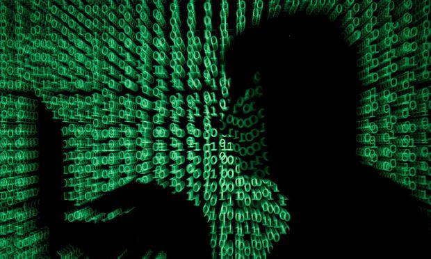 Max Schrems bedroht Facebook und Google mit Milliardenstrafen / Bild: (c) REUTERS (Kacper Pempel)