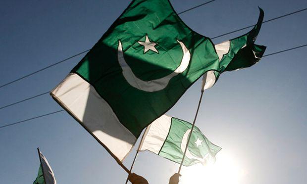 Pakistan brueskiert