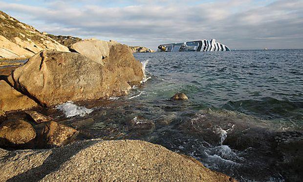 Costa Concordia Wale