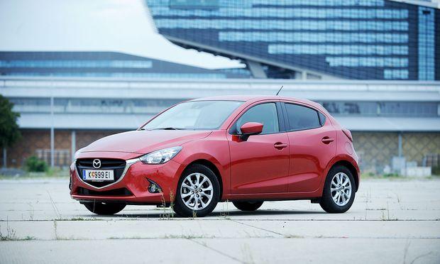 Mazda ruft weltweit mehr als 100.000 Fahrzeuge zurück