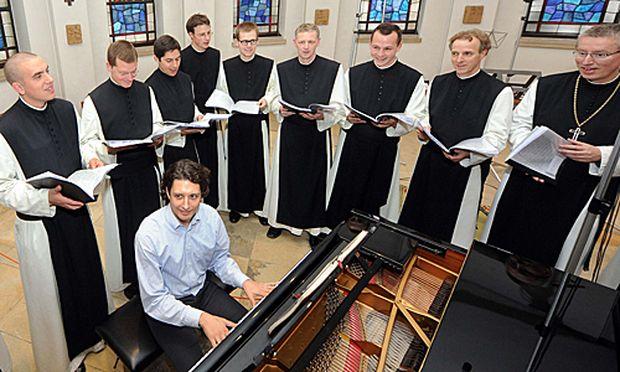 Goldstatus für zweites Album der singenden Mönche