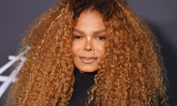 Musikerin Janet Jackson engagiert keine Nanny für ihren Sohn.