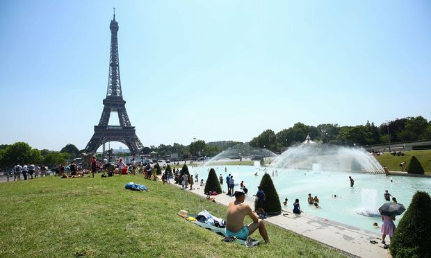 """Seit Anfang der Woche ächzt Frankreich erneut unter der """"Canicule"""", so nennen die Franzosen die Gluthitze."""