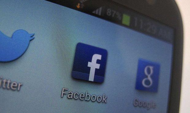 Facebook: Mehr mobil als am PC - aber kein Handy