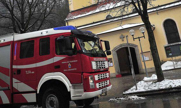 Amstetten: Drei Kirchen angezündet