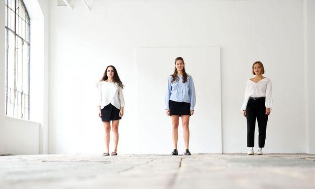 Tibelia Kurtaran, Kathrin Siebenhandl und Rosa Havel (v. li.) im Projektraum des WUK, in dem die Ausstellung stattfinden wird.