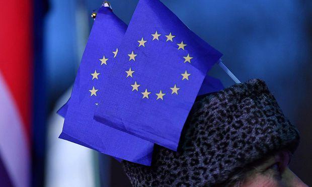 Fast die Hälfte der Befragten Österreicher will bei der EU-Wahl im Mai abstimmen gehen.
