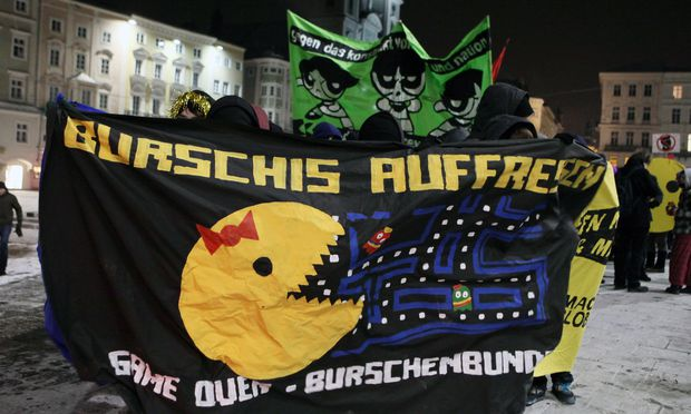 Archivbild: Demonstrationen gegen den Burschenbundball