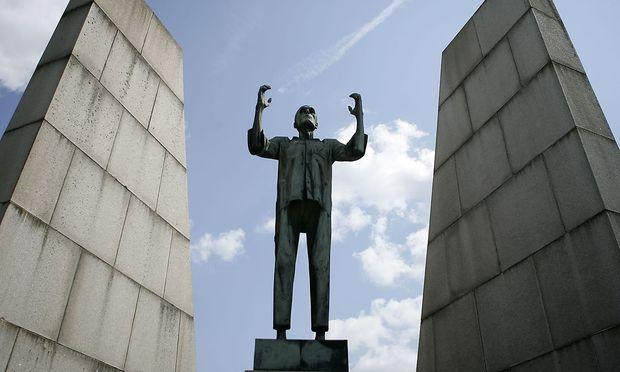 Im Rahmen der Mauthausen Studien erschienen die Arbeiten Luchterhands wieder.