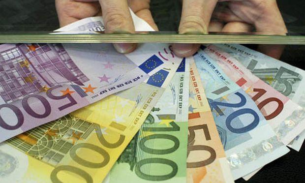 Italien verbietet Barzahlungen ueber