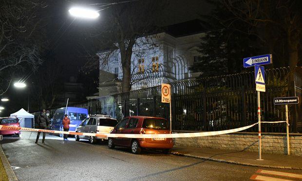 Der Tatort in der Wenzgasse vor der Villa Blaimschein.