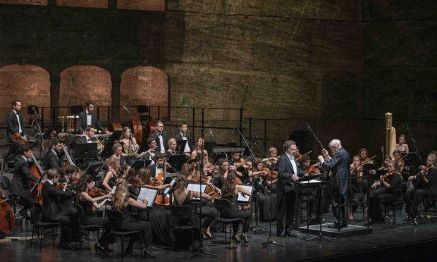 Herbert Blomstedt und das Gustav-Mahler-Jugendorchester spielten Bruckners Sechste souverän.
