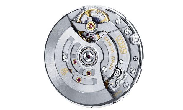 Funktional und präzise: Das chronometerzertifizierte Manufaktur-Automatikkaliber 3285 läuft nach Vollaufzug 70 Stunden.