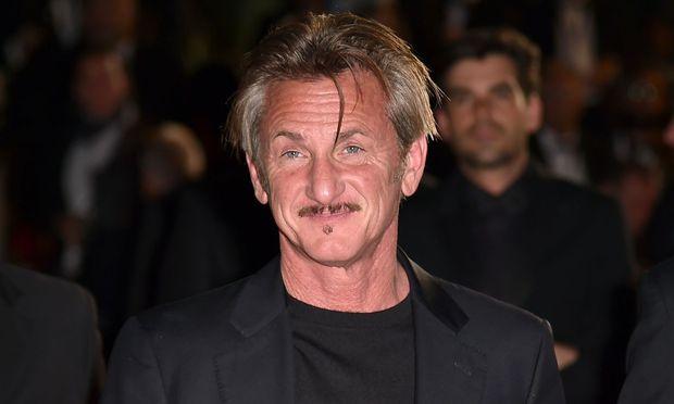 Oscarpreisträger Sean Penn zu Dreharbeiten vor saudi-arabischem Konsulat