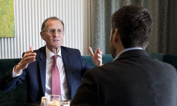 """""""Das österreichische System ist großzügig, aber nicht nachhaltig"""", sagt Pensionsexperte Rürup."""