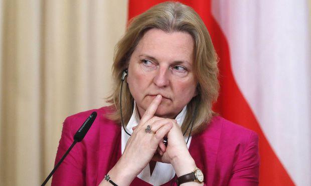 Außenministerin Karin Kneissl (parteilos, von der FPÖ nominiert)
