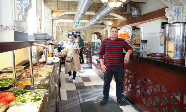 Mohammed Hamdi ist Besitzer von Jasmin al-Sham, in dem sowohl Syrer als auch Österreicher gern essen.