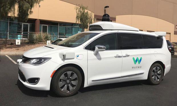 Roboterwagen-Firma von GM erhält Milliarden für Taxi-Service - Bits + Bytes