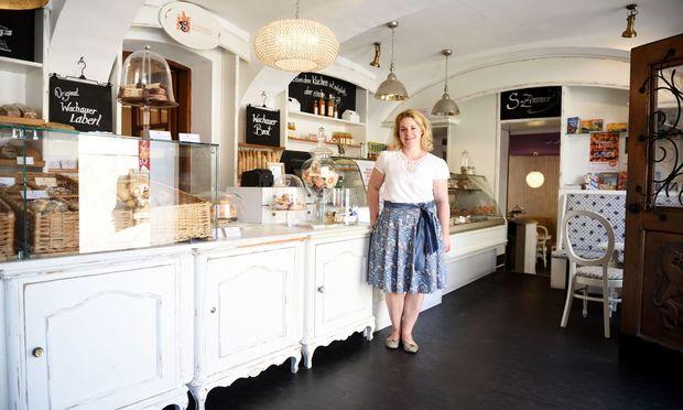 ouristen mögen die Bäckerei Schmidl, die sich in ein kleines Haus in der Altstadt von Dürnstein zwängt. Aber Chefin Barbara Schmidl will unter den beengten Bedingungen nicht mehr arbeiten.
