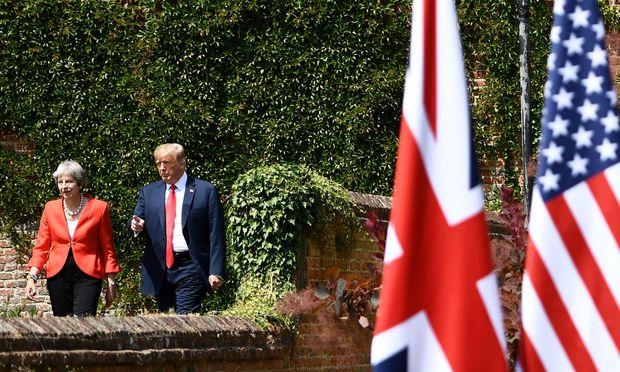 Keine einfache Beziehung: Trump sorgt mit Aussagen über Gastgeberin May für Verstimmung.