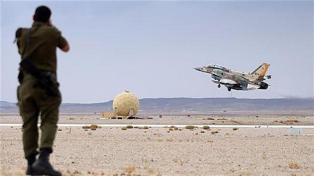 Israelische F-16 beim Start