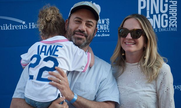 Jimmy Kimmel mit seiner Frau Molly und Tochter Jane.eles California U S Host Jimmy Kimmel with wife Molly McNearney and daug