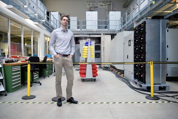 Der Niederösterreicher Markus Makoschitz will beim Gleichrichten von Wechselstrom verhindern, dass nicht nutzbare Störströme das Netz verzerren.