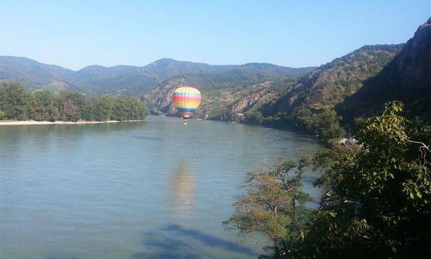 Heissluftballon stuerzt Krems Donau