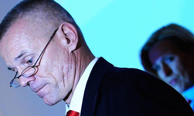Betriebsrat zwingt AUAFuehrung Warteschleife