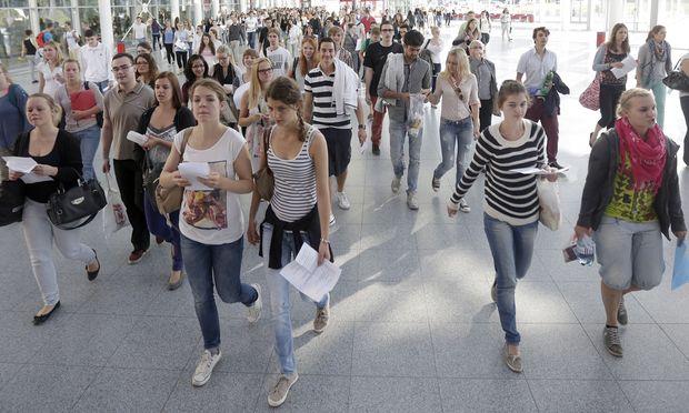 Frauen studieren oefter Massenfaecher