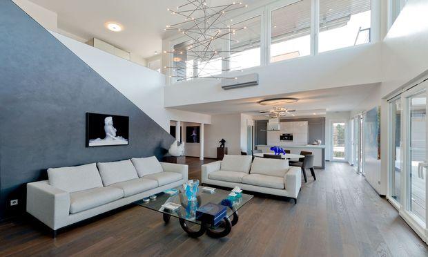 Loftartiger Wohnraum mit Ausblick