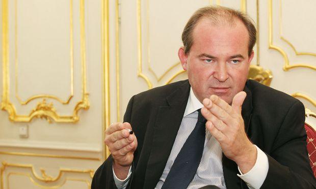 Staatssekretär Szalay-Bobrovniczky ist von Sebastian Kurz enttäuscht.