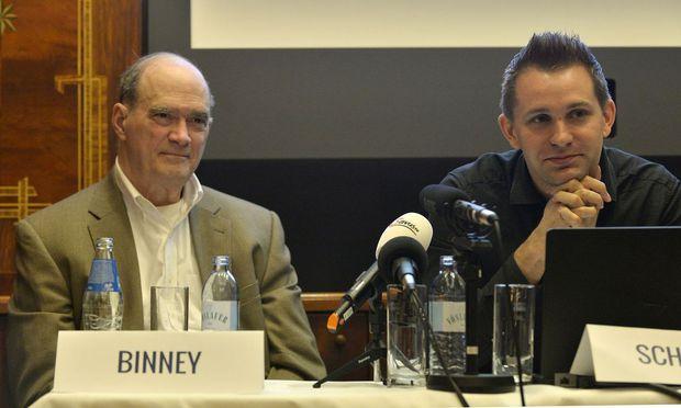 Bill Binney (Ex- technischer Direktor d.NSA) und Max Schrems (Jurist)